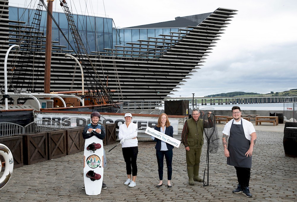 L-R: Logie Blyth from Foxlake Adventures Dundee, Jan Brodie from Monifieth Golf Links in Angus, Caroline Warburton, Gordon Pollock from Dunkeld House Hotel in Perthshire and Masterchef Professionals winning chef Jamie Scott, from The Newport Restaurant in Fife